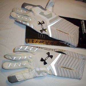 UA Highlight Football gloves sz Small READ!